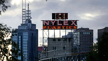 You know you're a Melburnian when ... any music by Paul Kelly makes you suddenly think of the Nylex sign and something about making gravy.