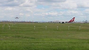 Brisbane airport main runway