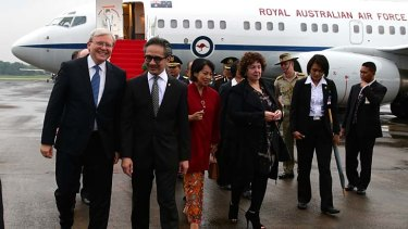 Prime Minister Kevin Rudd is greeted by Indonesian Foreign Minister Marty Natalegawa on his arrival in Jakarta.