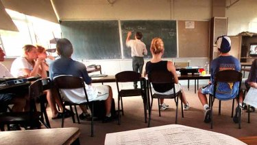 The teachers union is outraged they weren't consulted over cash incentive scheme for principals.