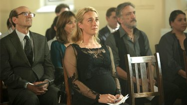 Offspring finale ... Nina (Asher Keddie) at Patrick's funeral.