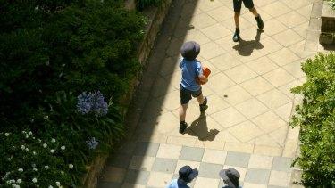 Children a Victorian primary school.