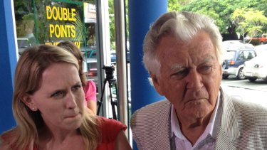 Kate Jones does the rounds with Labor luminary Bob Hawke in a last ditch attempt to win back voters.