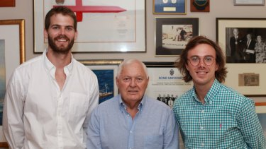 Alan Bond (centre) with The Thread's creators Hugh Minson (left) and Jack Morphet (right).