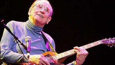 Guitar legend ... Les Paul plays as part of the Les Paul Tribute in Cleveland.