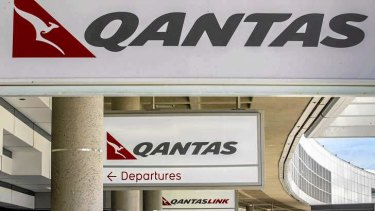 A source claims Qantas felt it was urged to complain more loudly about the carbon tax to rebuild its relationship with the Abbott government.