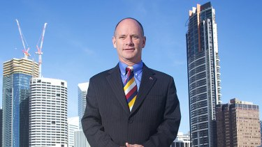 Aspiring premier Campbell Newman says he'll scrap the existing 2.5 per cent annual cap on public sector wage rises while also trimming total jobs.