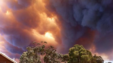 The bushfire burning near Margaret River is particularly threatening to Prevelly Park. <i>Photo: Naomi Sime. </i>