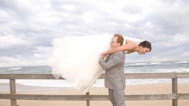 Weight loss before wedding. Melissa and Scott Beveridge on their wedding day. Story Tim Barlass. SHD News. Photo credit: Amala Photography