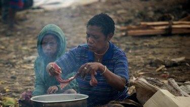 Tari life: Preparing a meal.