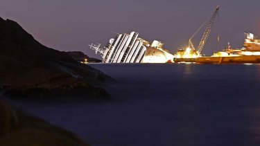 """The  Costa Concordia ... """"This is the largest ship removal by weight in history."""""""