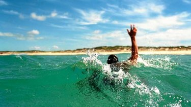 The involuntary drowning response stops people from raising their arms.