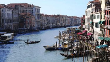 """Expecting several thousand campaigners ... rally goers will be ferried across the Grand Canal in gondolas to deliver a """"declaration of independence"""" to the headquarters of the Veneto regional government."""