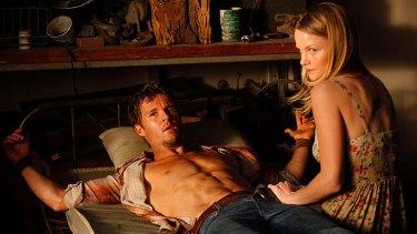 Ryan Kwantan and Lindsay Pulsipher in sexy vampire series True Blood.