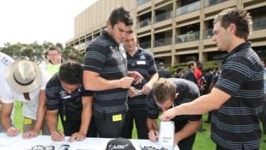 Pledge... Cronulla NRL players Kade Snowden, left, and Ben Pomeroy.