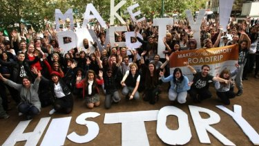 Young Australians hit the road for the Make Poverty History campaign.