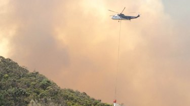 As fires raze hundreds of homes in WA towns such as Yarloop, authorities have encouraged residents to evacuate unless they were confident they could defend their homes.