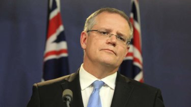 Immigration Minister Scott Morrison is under pressure over conflicting reports regarding violence at Manus Island detention centre.