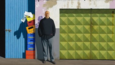 Solitary man: Jeffrey Smart's <i>Self-Portrait at Papini's</i>, 1984-85.