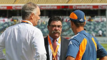Greg Chappell in conversation with selector David Boon and Ricky Ponting before the start of the Third Test.