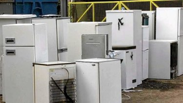 Gathering problem: how best to collect gases from discarded fridges and airconditioners?