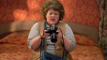Melissa McCarthy stars as a quick-thinking but self-effacing CIA analyst in <i>Spy</i>.