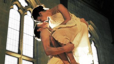 Classic ... Ty King-Wall and Robyn Hendricks in Graeme Murphy's <i>Romeo & Juliet</i>.
