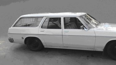 An early 1970s Holden similar to that seen with a child matching Kylie's description.