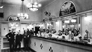 The Black & White 4d Milk Bar in Martin Place in the early 1930s.