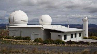 The EOS satellite laser ranging system at Stromlo. <em> Photo: Prescott Pym </em>