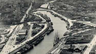 Yarra River from the air, 1925. Image courtesy Public Record Office Victoria.
