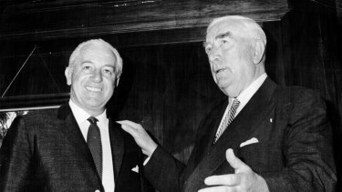 Sir Robert Menzies hands over the reins of power to Harold Holt in January 1966.