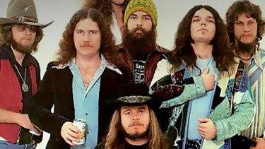 Lynyrd Skynyrd perform original studio recording of track 'Trust'.