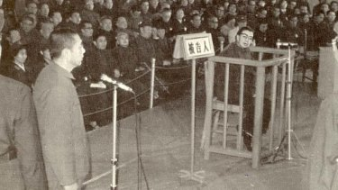 1980: Jiang Qing herself is in the dock, tried for persecuting 727,420 people during the Cultural Revolution.