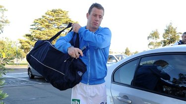 Steve Johnson arrives at Skilled Stadium for a fitness test on his injured knee.