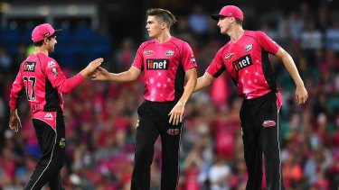 Sean Abbott (centre) was the most prolific bowler for the Sixers in 2015-16.