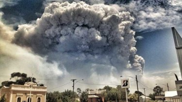 The view of the Grampians bushfires from Stawell.