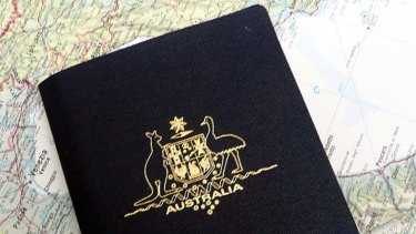 A conman has been targeting Asians on temporary visas in Melbourne.