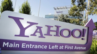 Yahoo will make encrypted connections standard by January for all its Mail users with 2048-bit digital keys.