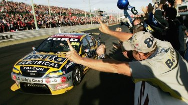 Craig Lowndes wins in2006.