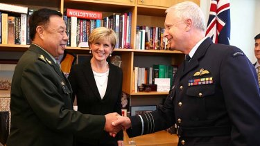 Foreign Minister Julie Bishop introduces General Fan Changlong to Air Chief Marshal Mark Binskin.