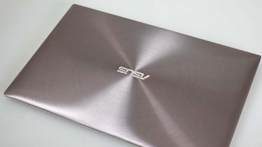 Brushed metal design ... the Asus Ultrabook.