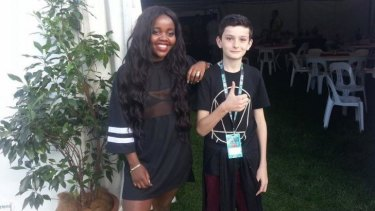 Rhys Toms with Tkay Maidza backstage at Groovin the Moo.