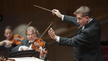 Theatricality from conductor Nicholas Milton brought out the best in the Canberra Symphony Orchestra.