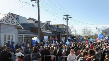 Fans queue out the front of the houses as an estimated 25,000 people flooded the streets of Richmond to see the finished house's of the television program 'The Block'.