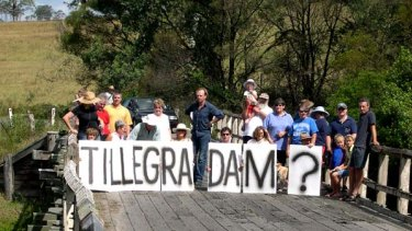 Fierce ... a No Tillegra Dam get together, with support from the actor  Hugo Weaving, centre.