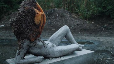 Pierre Huyghe, Untilled (Liegender Frauenakt), 2012, concrete cast on steel armature with beehive, live bee colony, plastic, and wax.