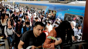 "The Greens say a Public Transport Victoria report claiming a drop-off in overcrowded trains ""fudges"" the figures."
