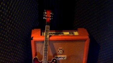 Being able to play bar-chords is what separates the amateur guitarist from the superstar.