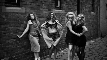 Clairy Browne & the Bangin' Rackettes.